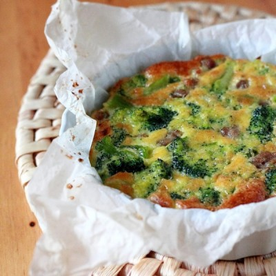 Frittata di broccoli e salsiccia al forno