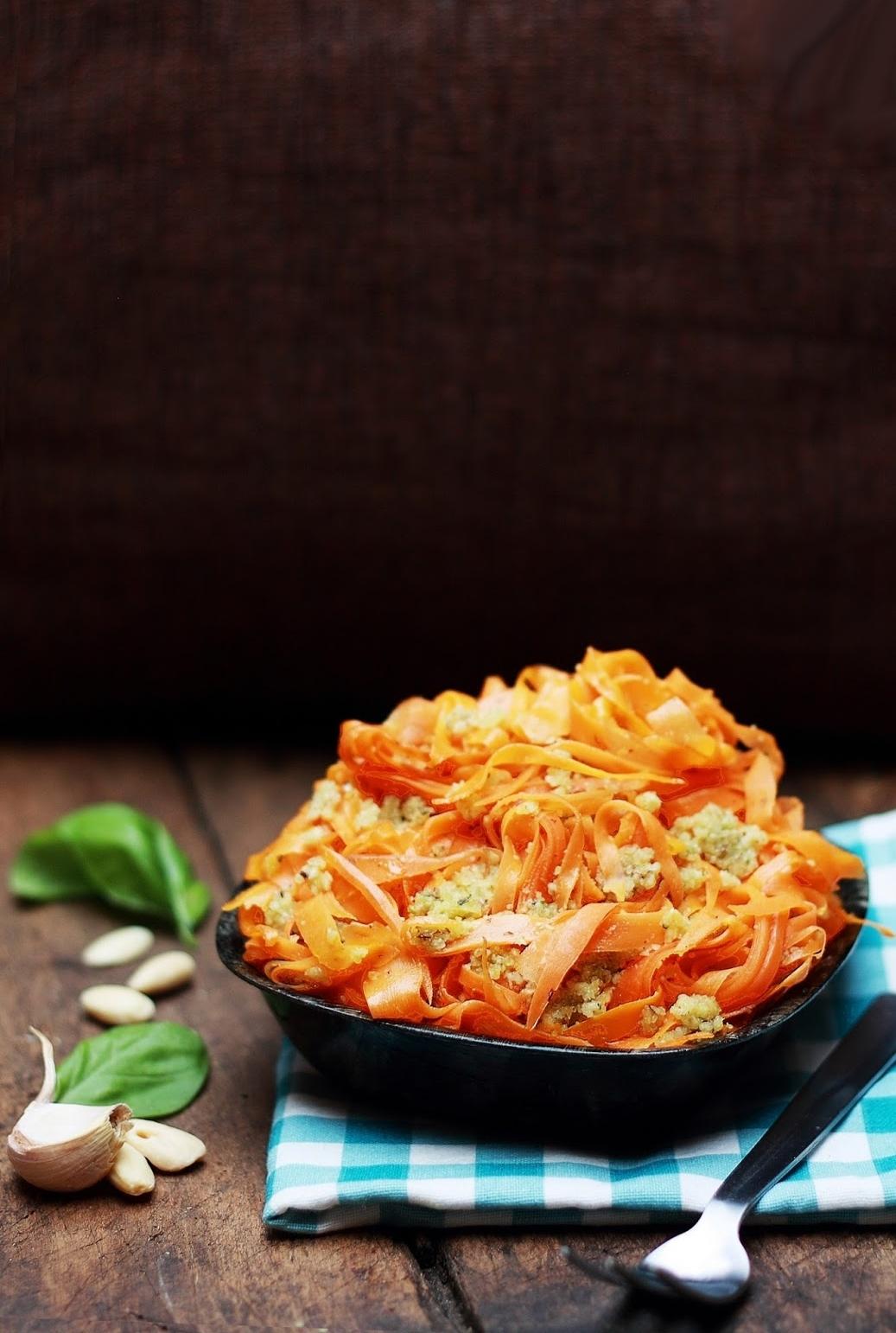 spaghetti carote pesto mandorle