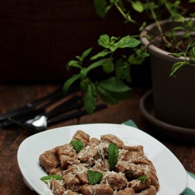 Gnocchi di patate e grano saraceno al burro e menta