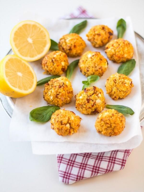 Polpettine di quinoa, feta e pomodori secchi al limone