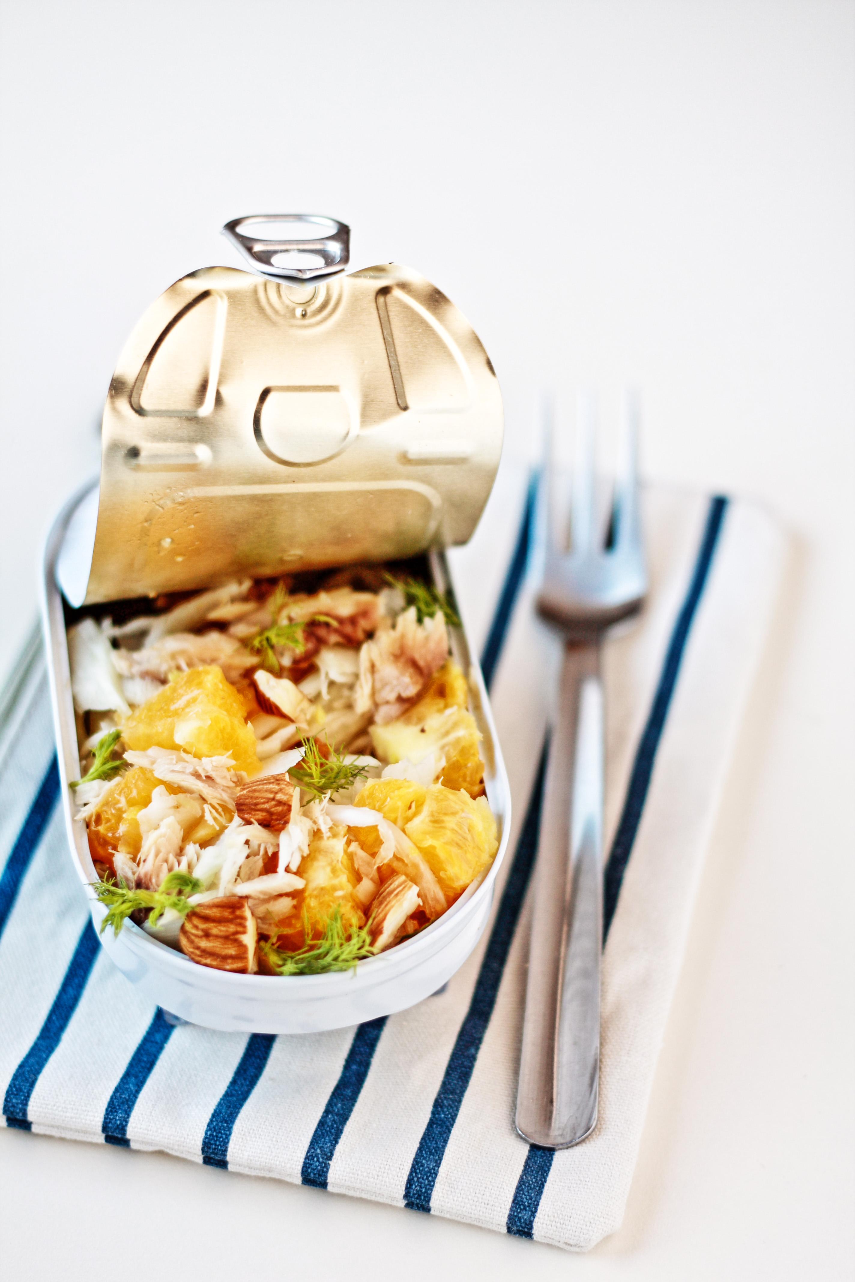 insalata finocchi, arance, sgombro e mandorle