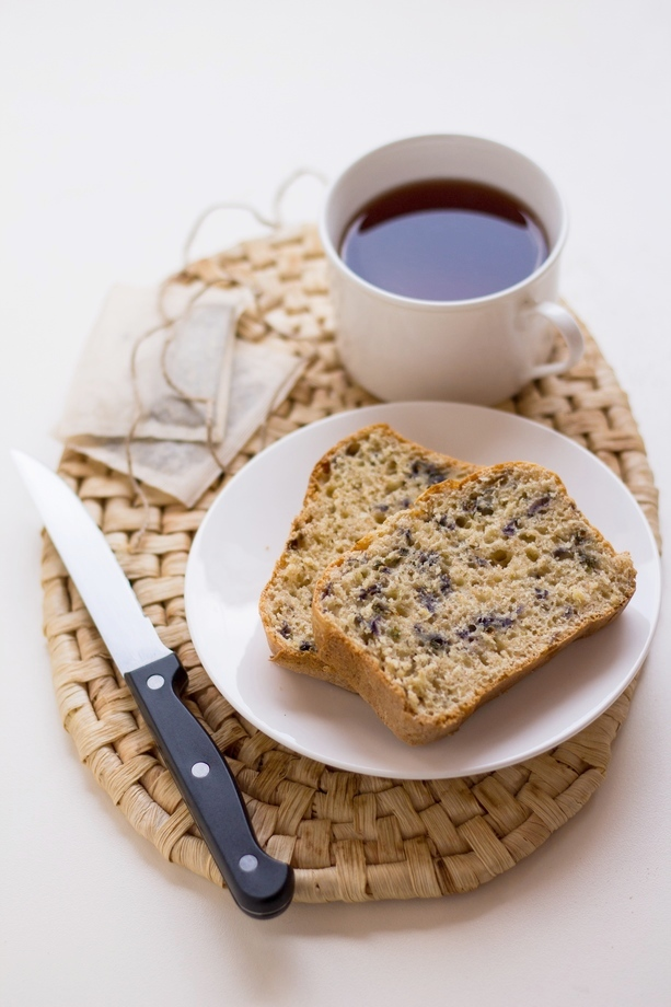 plumcake alla violetta con yogurt e olio extravergine d'oliva
