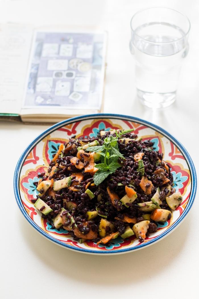 insalata d'estate di riso venere
