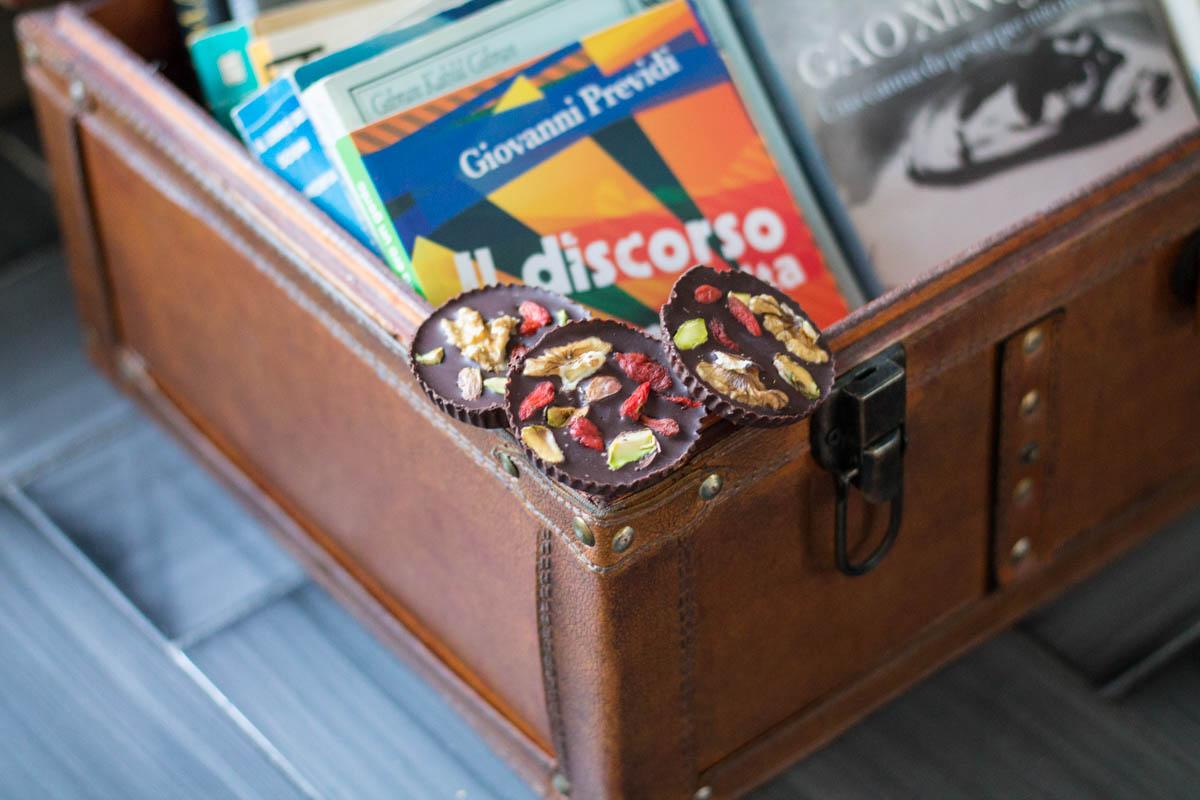 mendiants cioccolato fondente frutta secca
