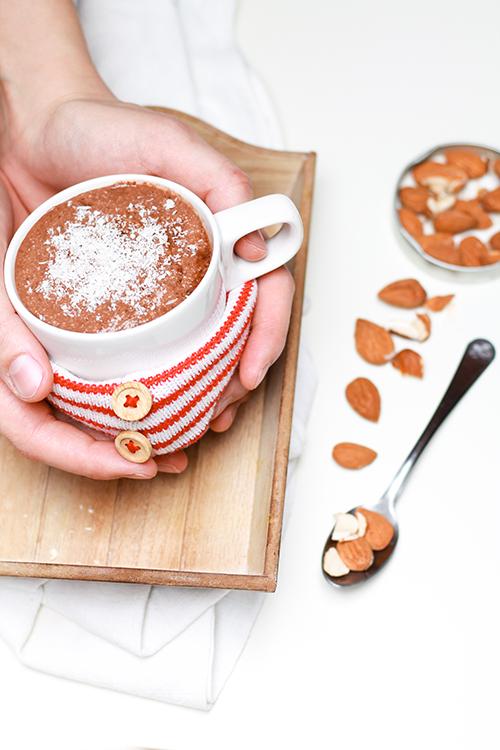 cioccolata calda cremosa mandorle