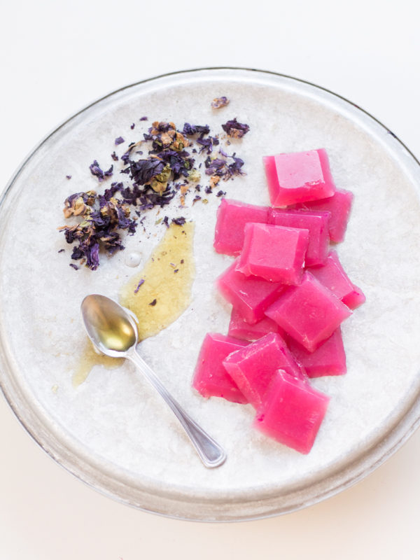 Caramelle per la gola con malva, limone e miele