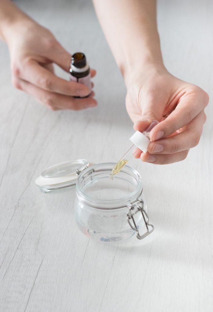 Oli essenziali da utilizzare durante l'inverno aggiungendoli all'olio di mandorle