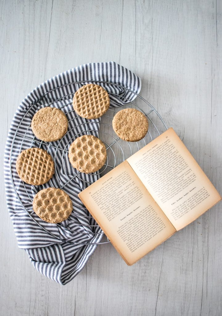 Biscotti integrali all'avena dopo cottura